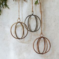 Eshe Wire Baubles x4 £9.00