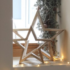 White Wash Wooden Stars £24 for a set of 2